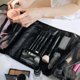 9 thói quen trang điểm gây ra mụn mà bạn nên tránh