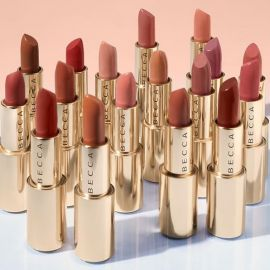 Review son Becca Ultimate Lipstick Love
