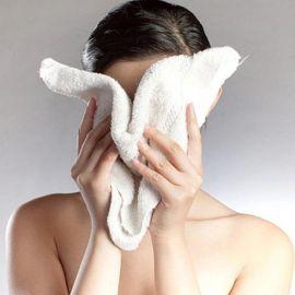 7 nguyên nhân khiến da nổi mụn mà bạn không ngờ tới