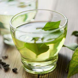 Uống trà xanh để giảm mỡ nhanh đón tết 2018 lợi hay hại