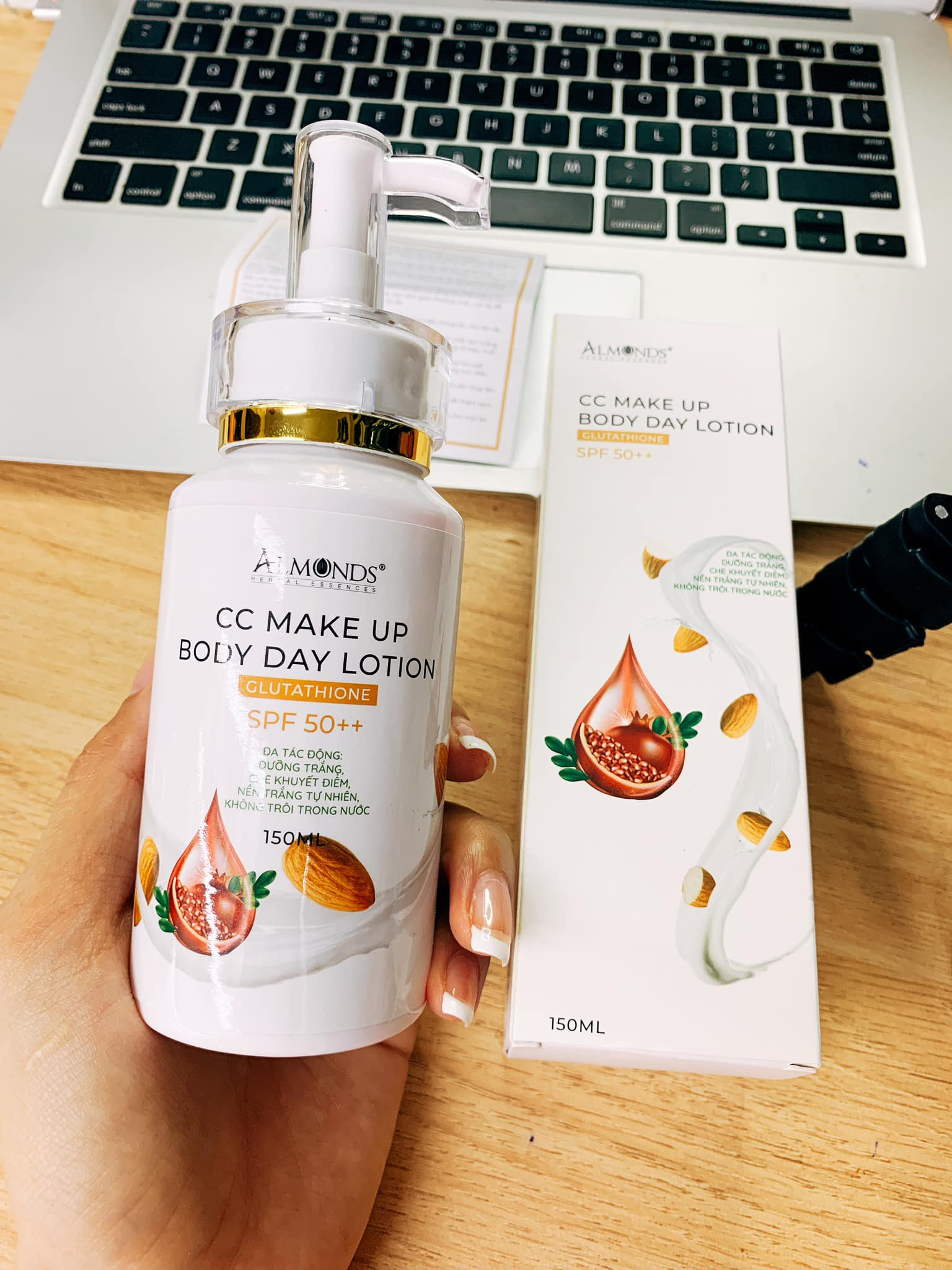 CC Make Up Body Day Lotion Almonds